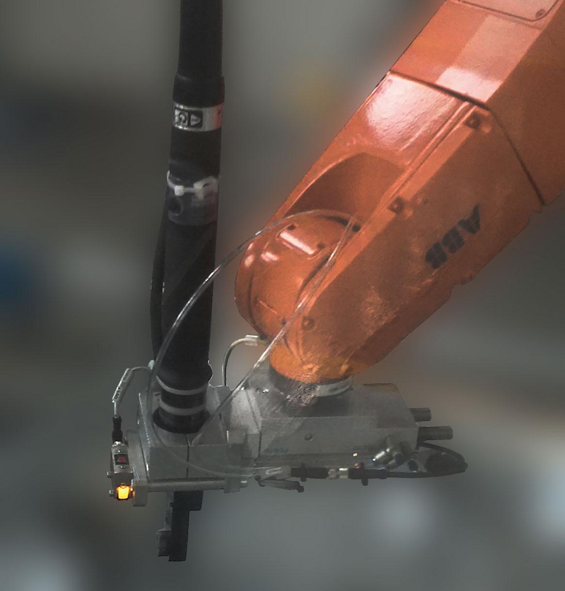 IMG 20160908 161853 Avvitatori per assemblaggio industriale Abbiamo realizzato il primo sistema composto da motore coppia angolo e chiave ad esagono aperto per integrazione diretta su robot antropomorfo (a cura dell'integratore della linea) per serraggio tubi gas piani cottura da incasso. La linea lavora su 3 turni continui.AZIENDA LEADER NELLA COSTRUZIONE DI ELETTRODOMESTICI