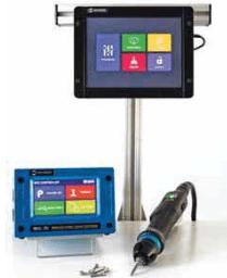 IMMAGINE 2 TPM Display Avvitatori per assemblaggio industriale Il TPM display, meglio definito come Time Process Monitor display, è un interfaccia opzionale touch screen per controllori serie MD e AD di Mountz che estende la capacità di programmazione e parametrizzazione sia degli utensili manuali che ad uso automazione. Attraverso questo display possono essere monitorizzati tutti i parametri macchina e di programmazione. L'interfaccia consente l'estensione siano a 99 programmi e a 99 sequenze (job) pre-impostabili. La comoda pannellatura VESA sul retro consente l'applicabilità dell'interfaccia su qualsiasi tipologia di supporto a parete.