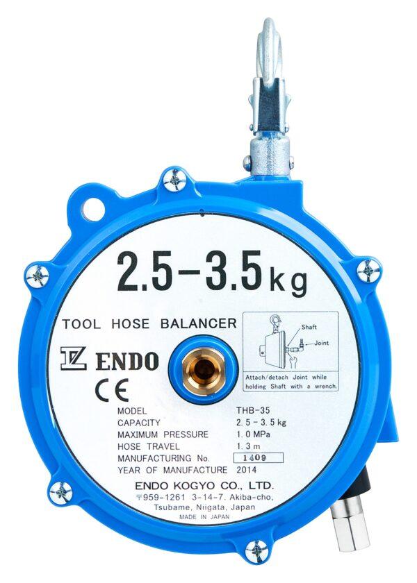 THB 35 front scaled Avvitatori per assemblaggio industriale I bilanciatori a molla della gamma Airtechnology / ENDO presentano diversi modelli ciascuno con specifiche peculiarità: SERIE EK – ERP – Capacità di bilanciamento e ritrazione leggera per carichi fino a 1,5 Kg per EK e fino a 2,0 Kg per ERP SERIE ATB-THB – Capacità di bilanciamento e ritrazione con alimentazione diretta avvitatori pneumatici di peso sino a 6,5 Kg SERIE EW - EWS – Capacità di bilanciamento e ritrazione per carichi sino a 7 Kg SERIE EWF - Capacità di bilanciamento e ritrazione per carichi sino a 120 Kg SERIE A – Capacità di bilanciamento e ritrazione da 70 fino a 120 Kg con sistema di riavvolgimento e ritrazione frizionato per un riavvolgimento rallentato e gancio di appensione prolungato SERIE B – Capacità di bilanciamento e ritrazione sino a 7 Kg con sistema di riavvolgimento e ritrazione frizionato per un riavvolgimento rallentato SERIE C Green Generation - Bilanciatori in acciaio zincato non verniciato capacità di sollevamento e ritrazione siano a 120 Kg SERIE X Green Generation - Bilanciatori in acciaio zincato non verniciato capacità di sollevamento e ritrazione siano a 120 Kg SERIE Y Green Generation - Bilanciatori in acciaio INOX capacità di sollevamento e ritrazione siano a 120 Kg ideali PER APPLICAZIONI IN AMBITI ALIMENTARI SERIE ELF - Capacità di bilanciamento e ritrazione sino a 70 Kg ma con corsa di avvolgimento lunga SERIE EWA - Capacità di bilanciamento e ritrazione sino a 70 Kg ma con sistema di sicurezza anti riavvolgimento improvviso del cavo (snap-back) in caso di perdita del carico o di rottura del cavo di apprensione carico SERIE ETP - Capacità di bilanciamento e ritrazione per carichi da 120 Kg sino a 200 Kg