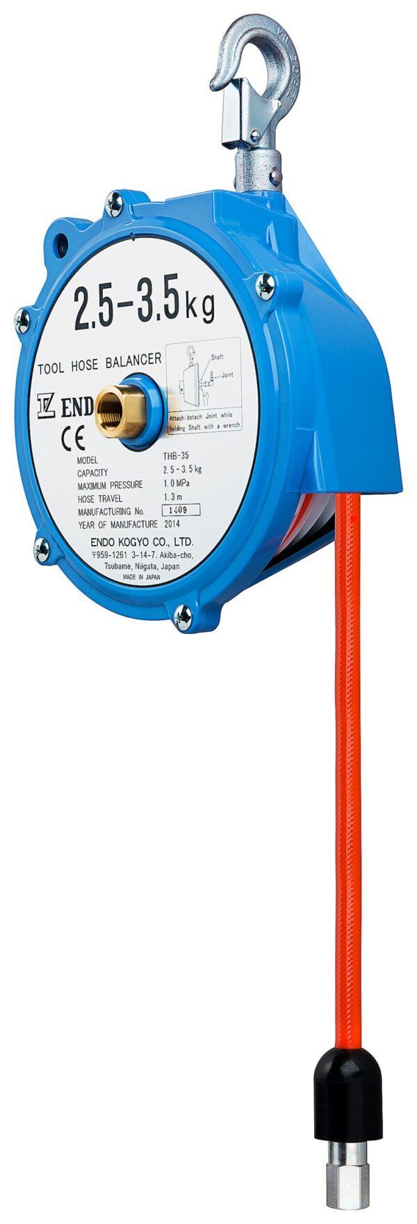 THB 35 right scaled Avvitatori per assemblaggio industriale I bilanciatori a molla della gamma Airtechnology / ENDO presentano diversi modelli ciascuno con specifiche peculiarità: SERIE EK – ERP – Capacità di bilanciamento e ritrazione leggera per carichi fino a 1,5 Kg per EK e fino a 2,0 Kg per ERP SERIE ATB-THB – Capacità di bilanciamento e ritrazione con alimentazione diretta avvitatori pneumatici di peso sino a 6,5 Kg SERIE EW - EWS – Capacità di bilanciamento e ritrazione per carichi sino a 7 Kg SERIE EWF - Capacità di bilanciamento e ritrazione per carichi sino a 120 Kg SERIE A – Capacità di bilanciamento e ritrazione da 70 fino a 120 Kg con sistema di riavvolgimento e ritrazione frizionato per un riavvolgimento rallentato e gancio di appensione prolungato SERIE B – Capacità di bilanciamento e ritrazione sino a 7 Kg con sistema di riavvolgimento e ritrazione frizionato per un riavvolgimento rallentato SERIE C Green Generation - Bilanciatori in acciaio zincato non verniciato capacità di sollevamento e ritrazione siano a 120 Kg SERIE X Green Generation - Bilanciatori in acciaio zincato non verniciato capacità di sollevamento e ritrazione siano a 120 Kg SERIE Y Green Generation - Bilanciatori in acciaio INOX capacità di sollevamento e ritrazione siano a 120 Kg ideali PER APPLICAZIONI IN AMBITI ALIMENTARI SERIE ELF - Capacità di bilanciamento e ritrazione sino a 70 Kg ma con corsa di avvolgimento lunga SERIE EWA - Capacità di bilanciamento e ritrazione sino a 70 Kg ma con sistema di sicurezza anti riavvolgimento improvviso del cavo (snap-back) in caso di perdita del carico o di rottura del cavo di apprensione carico SERIE ETP - Capacità di bilanciamento e ritrazione per carichi da 120 Kg sino a 200 Kg